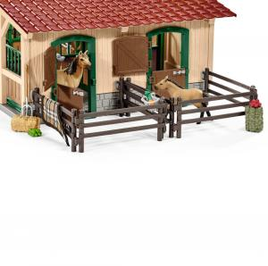 Schleich Stables with Horses & Accessories